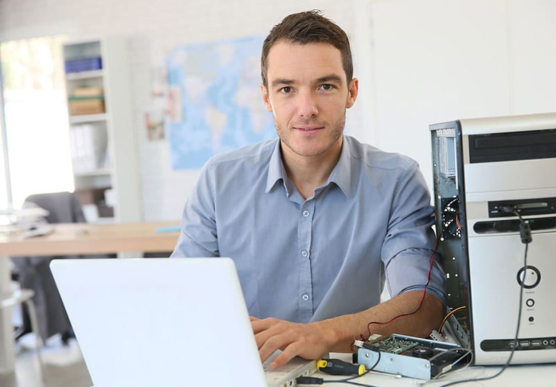 IT Support Technician Troubleshooting Desktop